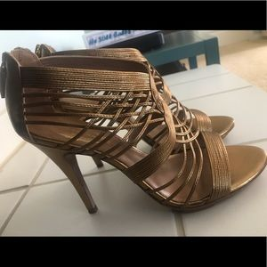 "Gorgeous golden Elie Tahari 3"" heeled sandals"